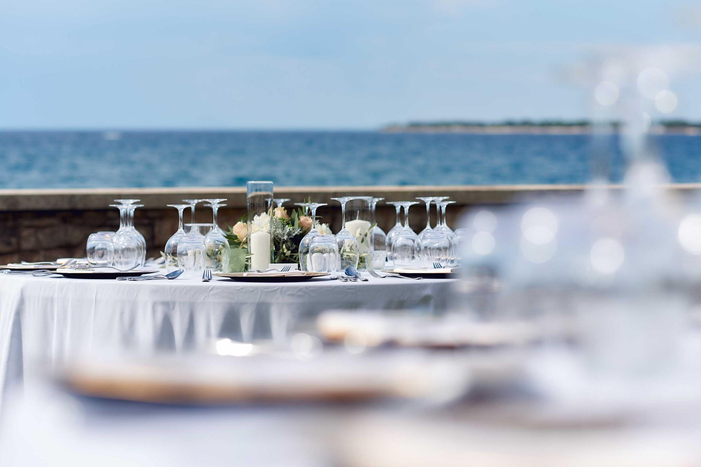 S&J table setting