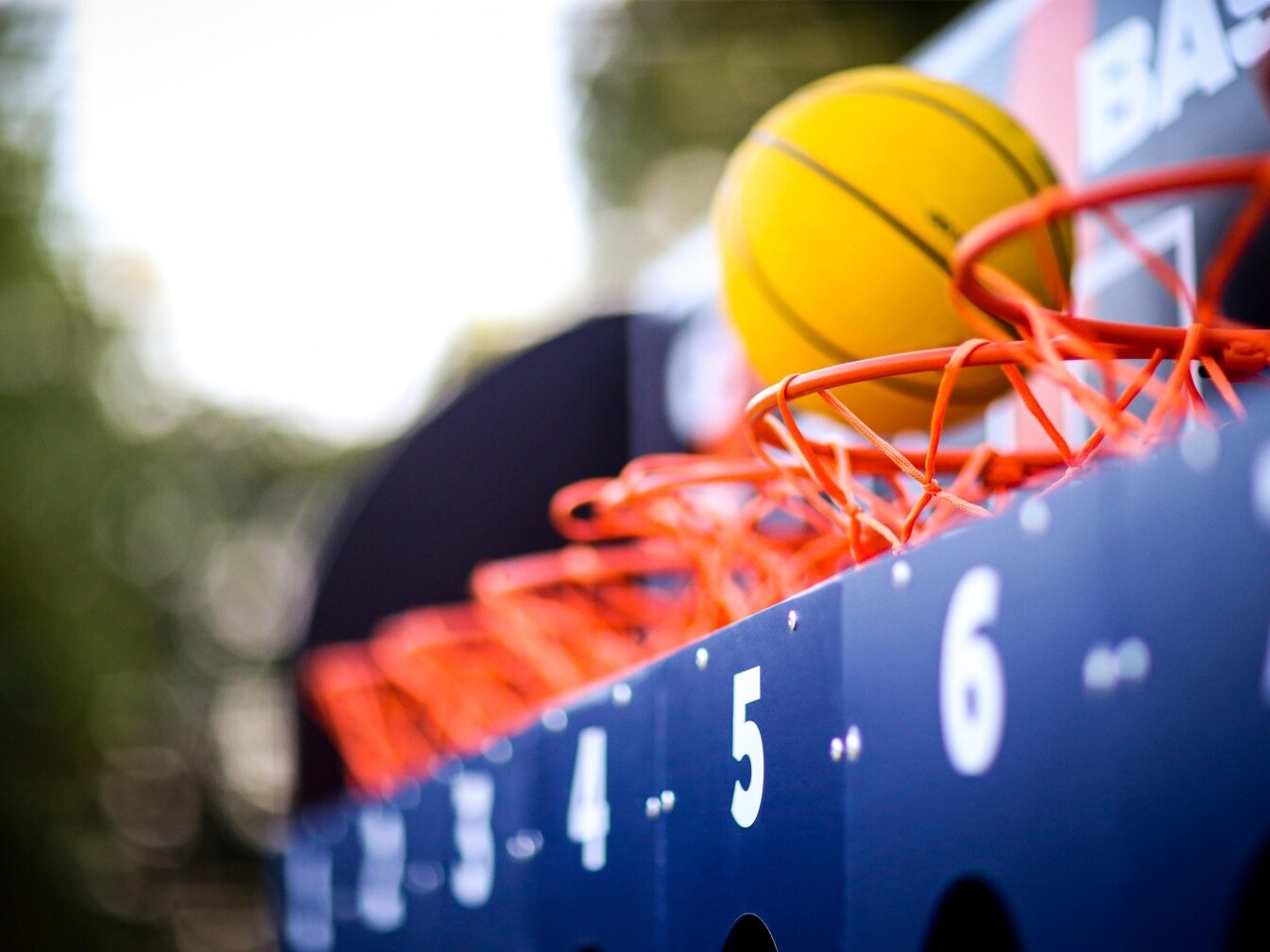 Basketball Connect 4 game Clownfish Events Summer Party Hire London Surrey Woodlands