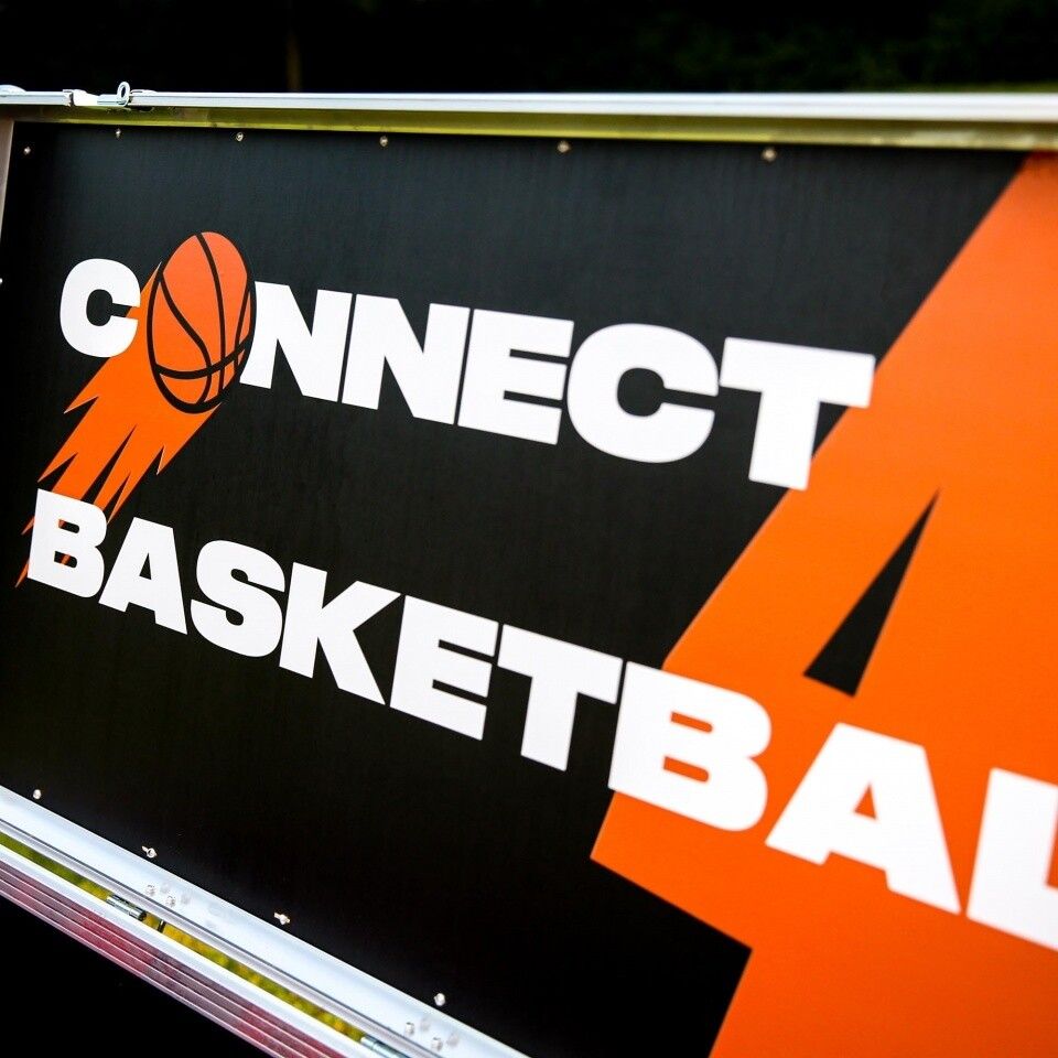 Basketball Connect 4 Corporate Entertainment Hire London Surrey Woodlands