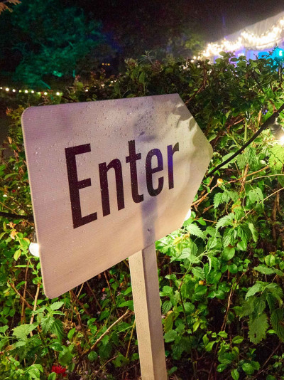 Stephen and Debbie's 50th_Enter Sign