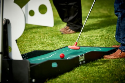 Crazy Golf - Clownfish Events