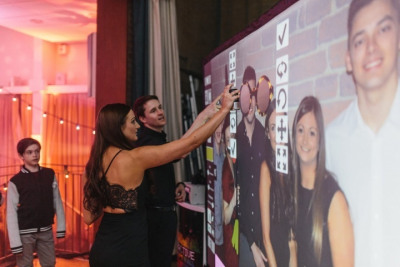 Digital Graffiti Wall - Clownfish Events